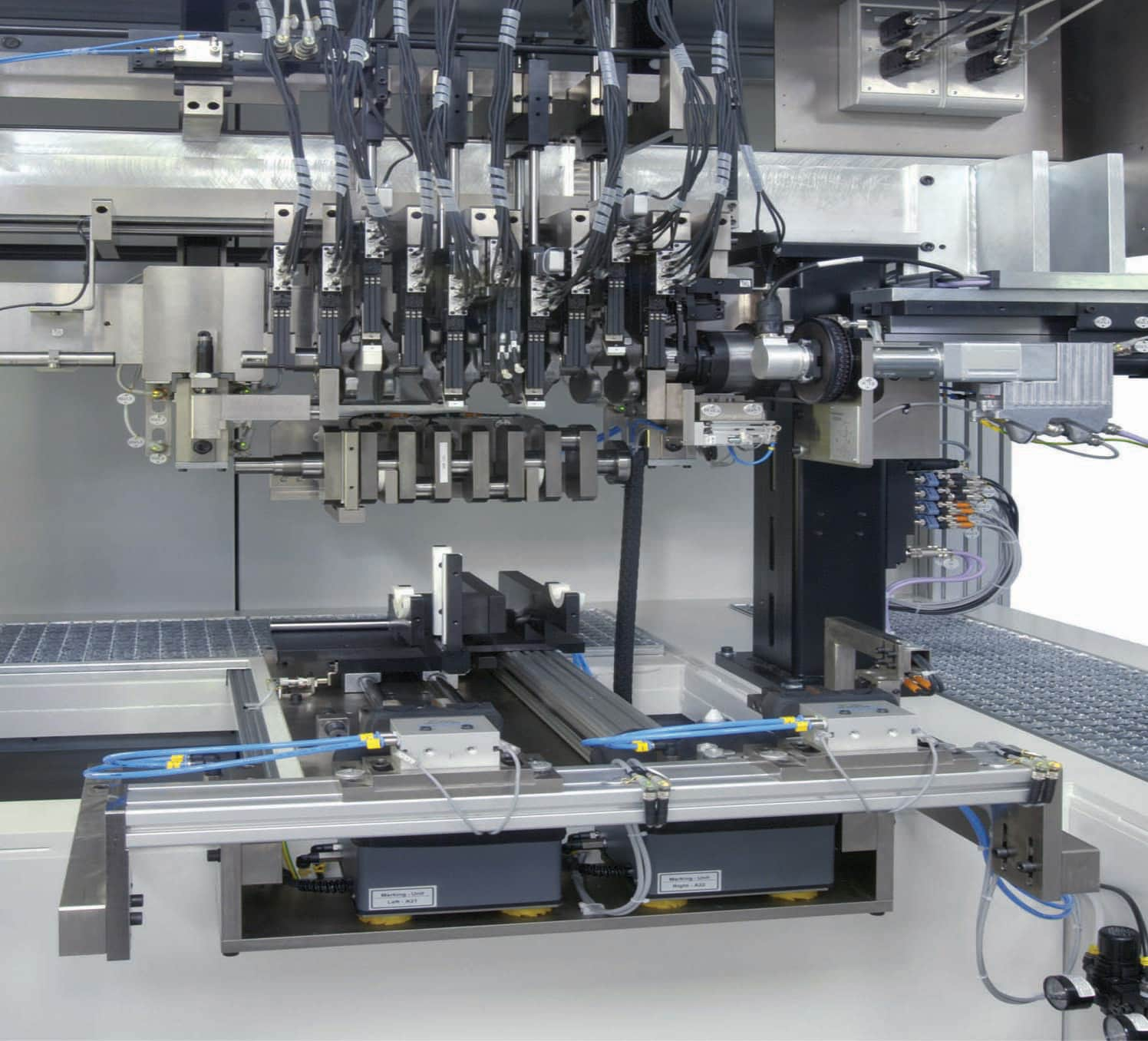 The measuring machines from Jenoptik feature tactile, pneumatic and optical measuring methods