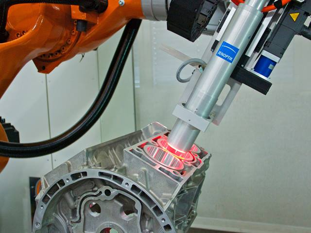 Visionline IPS B100 - Cylinder bore inspection with flexible robot solution